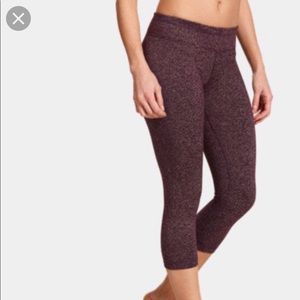 Under Armour Crops✨